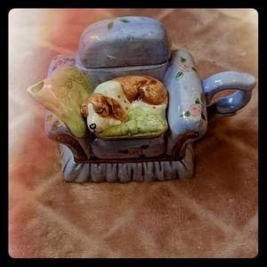 Vintage World Bazaars Inc Sleeping Dog Teapot